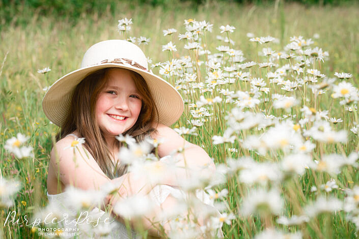 Girl say in daisy's